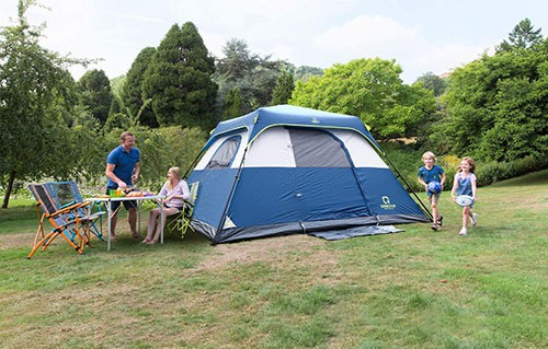 Family size pop up tent