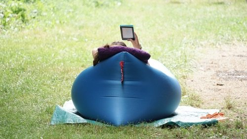 Inlatable camping bed